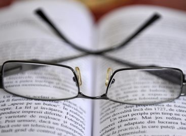 Reducerea acuității vizuale afectează capacitatea de gândire la persoanele în vârstă