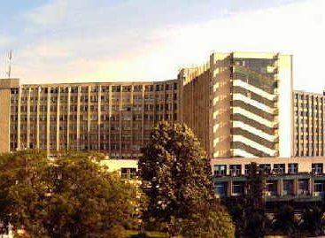 Revoltă la Spitalul Județean din Craiova: angajații au intrat peste managercerând vouchere de vacanță, medicamente pentru bolnavi și căldură în spital