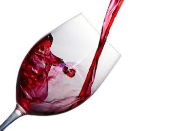 Consumul moderat de alcool nu are niciun efect de prevenire a riscului de infarct, arată un studiu realizat în China