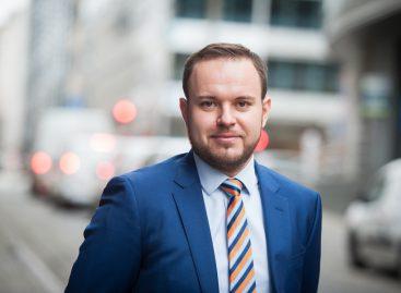 INTERVIU Kasper Ernest (EAEPC): Există medicamente mai ieftine în alte țări din UE, dar nu pot fi aduse în România prin import paralel din cauza taxei clawback și a nedecontării