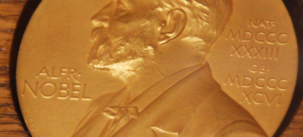 Premiul Nobel pentru medicină, câștigat de doi cercetători care au dezvoltat noi terapii pentru cancer