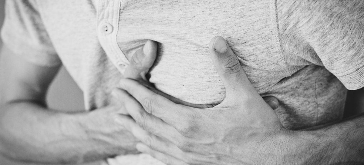 De teama Covid-19, multe persoane care fac atac de cord rămân acasă