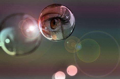 Inteligența artificială poate ajuta la detectarea timpurie a autismului prin măsurarea dilatației pupilelor și a ritmului cardiac
