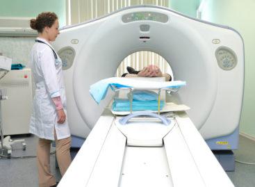 Spitalul din Năsăud primește cadou un computer tomograf de la Vatican