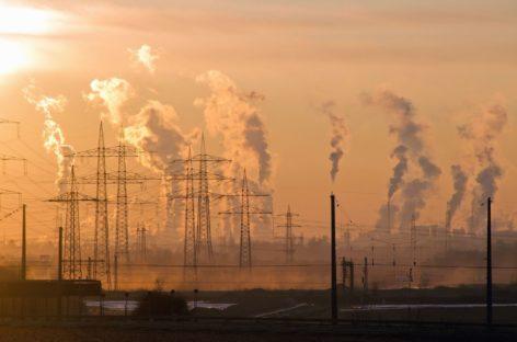 Poluarea aerului afectează sănătatea oaselor
