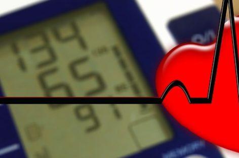 Pacienții cu hipertensiune arterială și diabet zaharat care se îmbolnăvesc de COVID-19, risc ridicat de complicații neurologice