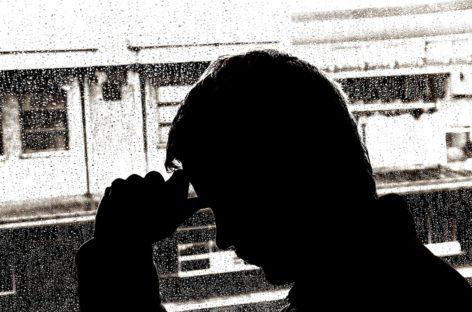 Psihiatru: Frigul, întunericul sau lumina slabă pot provoca depresii mai ales la sfârşit de an