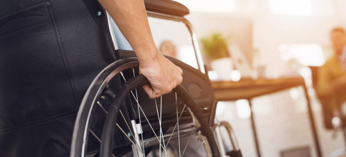 Pacienții paralizați ar putea folosi peste câțiva ani telefoane sau computere cu ajutorul unor implanturi cerebrale, după un experiment reușit în California