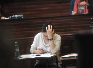 Aproape 12.000 de candidați la examenul de rezidențiat din acest an, număr-record
