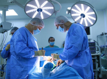 Necroza de cap femural operată minim invaziv cu celule STEM