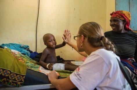 Medici fără Frontiere caută personal medical din România pentru misiuni umanitare