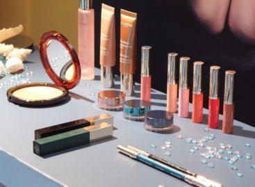 FDA solicită schimbarea regulilor privind siguranța produselor cosmetice, după ce a descoperit azbest în trei produse comercializate în SUA