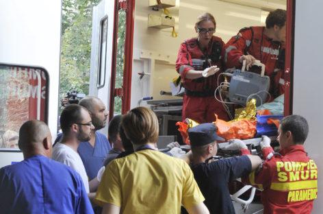 Sanitas: Brancardierii din spitalele publice vor primi sporurile corespunzătoare secției unde sunt încadrați