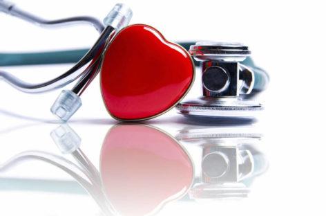 Un sfert dintre pacienții cu insuficiență cardiacă spitalizați cu Covid-19 decedează