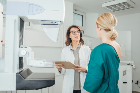 CNAS propune realizarea unui pachet de servicii integrate pentru pacienții oncologici ia în calcul introducerea testării genetice pentru stabilirea schemelor terapeutice personalizate