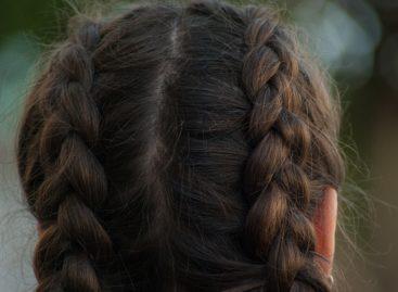 O echipă de cercetători americani a obținut foliculi funcționali ai părului din celulele stem