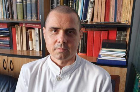 INTERVIU Dr. Dorin Dragoș (Spitalul Universitar): Hidratarea corespunzătoare este esențială mai ales pe timpul verii, este aproape singurul tratament cu adevărat eficient în prevenirea pietrelor renale