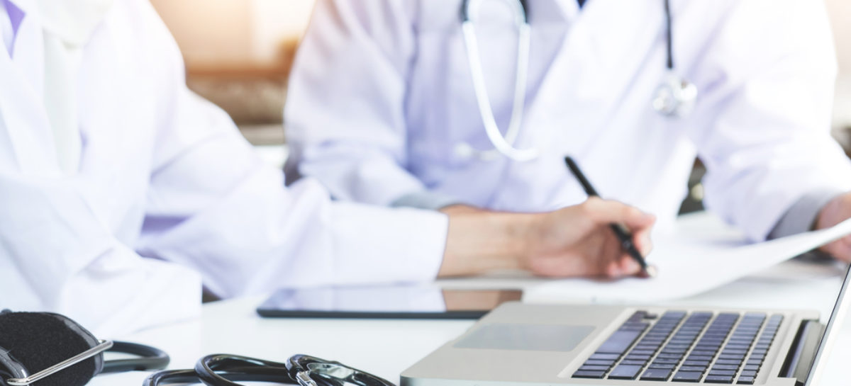 Oficial: medicii de familie pot emite certificate de concediu medical pentru pacienții testați pozitiv cu Covid-19 izolați la domiciliu