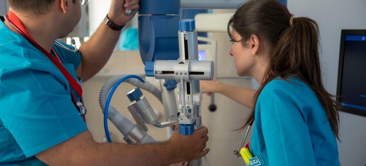 """Medicii de la Spitalul Militar """"Dr. Carol Davila"""" au realizat o intervenție în premieră națională, de revascularizaţie miocardică prin unde de şoc extracorporale"""