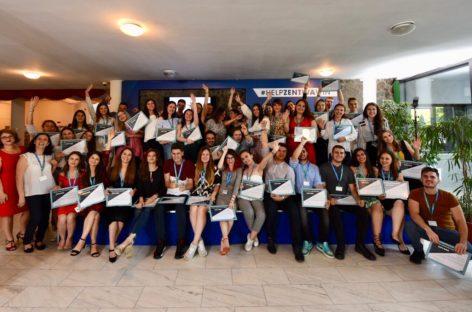 Generația Z intră în industria farmaceutică: Zentiva România a primit peste 1.000 de aplicații pentru un program de internship pentru studenți și absolvenți