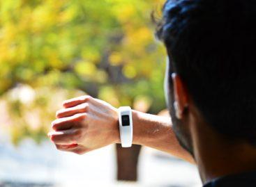 Singapore oferă gratuit populației 1 milion de dispozitive Fitbit în cadrul unui program public de sănătate