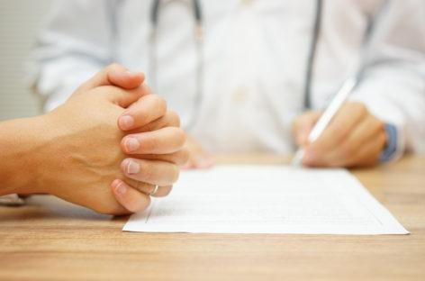 Contribuția personală a pacienților în spitalele și clinicile private, eliminată de guvern până în aprilie 2021; furnizorii privați critică decizia