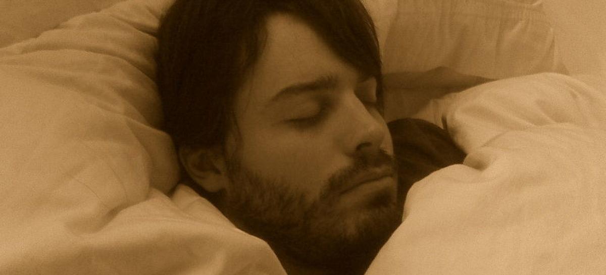 Lipsa somnului poate afecta metabolizarea grăsimilor