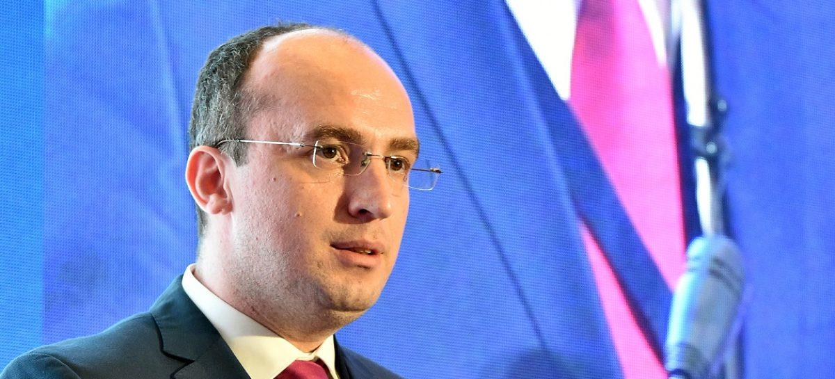 Simpozionul de Studii Clinice 2019   Dr. Marius Geantă: Un pacient diagnosticat și tratat într-o țară din vestul UE are cu 30% mai multe șanse de a supraviețui cancerului decât un pacient dintr-o țară estică