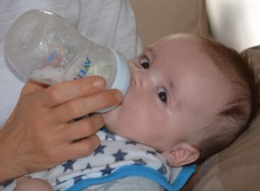 Grăsimea care până acum era îndepărtată din formulele pentru sugari benefică dezvoltării neuronale a bebelușilor susțin cercetătorii americani