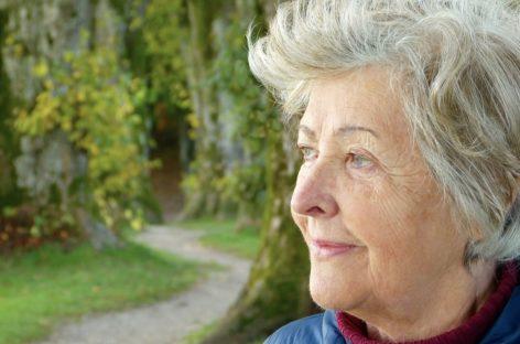 Covid-19: Vârstnicii prezintă simptome neobișnuite