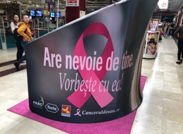 """Peste 1.000 de femei au învățat să se autopalpeze în cadrul campaniei pentru sănătatea sânilor """"Are nevoie de tine. Vorbește cu EA!"""""""