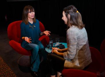 Heidi Murkoff, autoarea seriei What to Expect, susține programele de educație pentru sănătate ale Asociației SAMAS