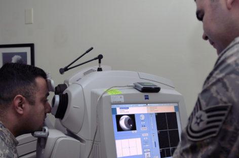 Sistemul portabil de tomografie de coerență optică, adaptat de cercetători din SUA pentru utilizare în chirurgia articulară minim invazivă