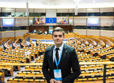 Ziua Mondială de Luptă Împotriva Cancerului: Un tânăr din România va avea cuvântul de deschidere la evenimentul de lansare a planului european de combatere a cancerului în Parlamentul European