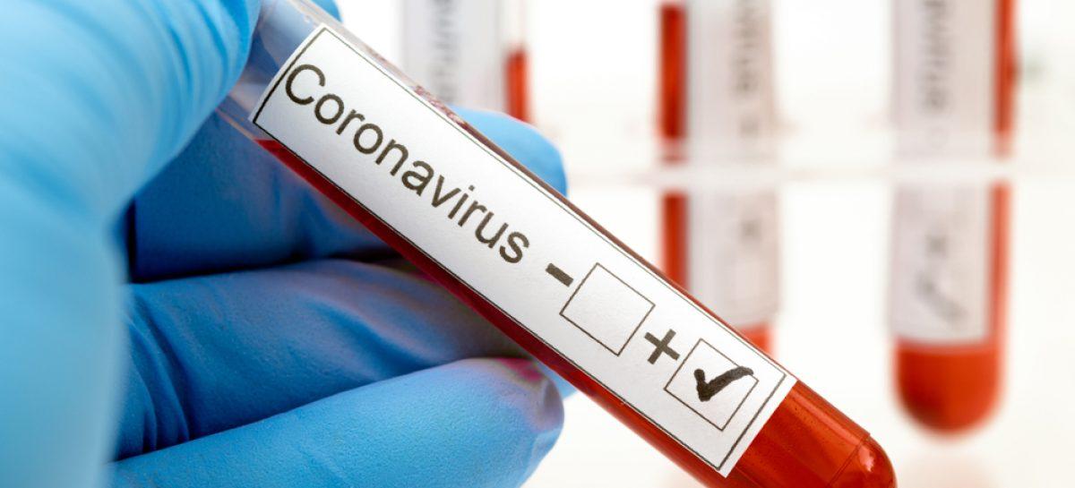 Noi categorii testate automat pentru coronavirus în România, între care pacienții cu cancer sau pe dializă și personalul din căminele de bătrâni