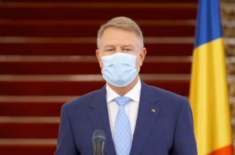Klaus Iohannis: După 15 mai va fi obligatorie purtarea măștilor de protecție în spațiile publice închise și în transportul în comun