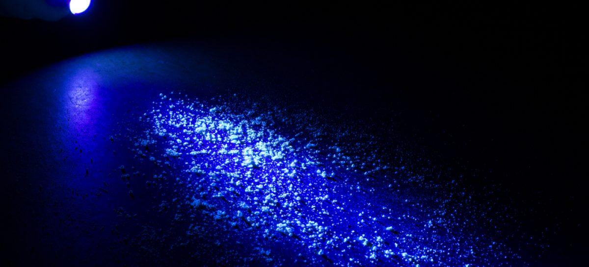 Un tip de lumină ultravioletă nepericulos pentru oameni elimină coronavirusul SARS-CoV-2 din aer