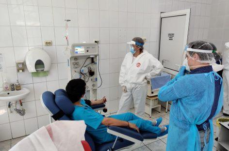 """""""Birocrația Covid-19"""": Pacienții vindecați care vor să doneze plasmă trebuie să se prezinte cu un dosar cu documente pentru a fi acceptați"""
