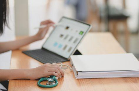 ANMCS organizează cursuri gratuite pentru îmbunătățirea practicii medicale