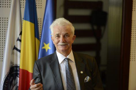 """Apreciatul profesor și medic stomatolog Dorin Dumitru Borzea, omagiat de UMF Cluj prin acordarea Medaliei """"Iuliu Hațieganu"""""""