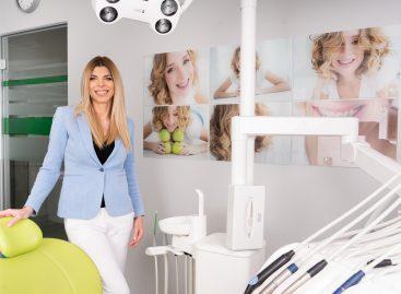 """Dr. Denisa Zaharia, medic ortodont: ,,S-a dublat cererea pentru aparate dentare datorită purtării măștii"""""""