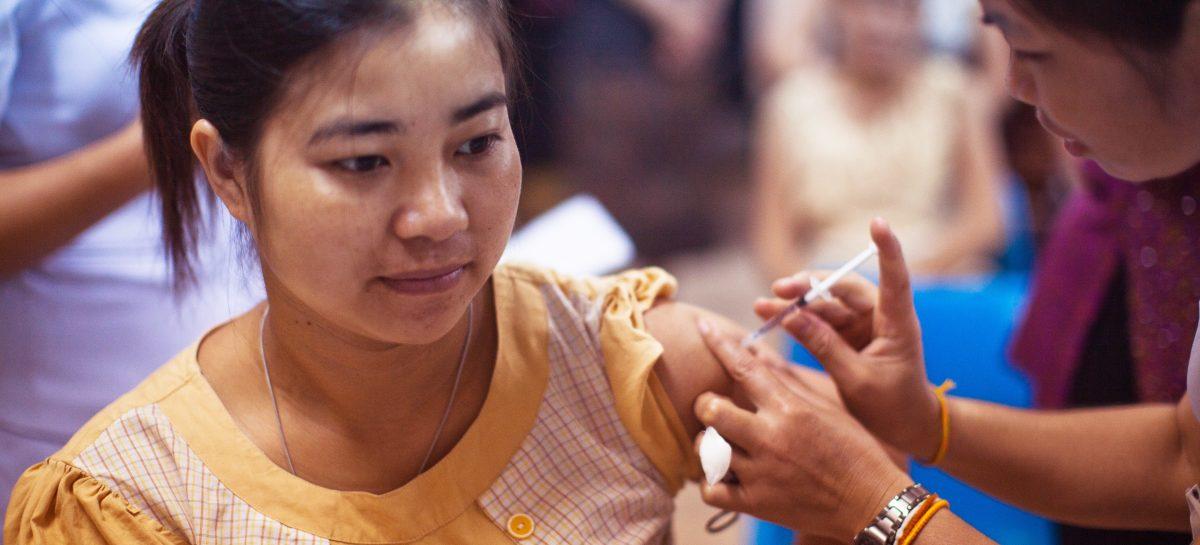 Un oficial de la Beijing admite că eficacitatea vaccinurilor chinezești anti-Covid-19 este scăzută