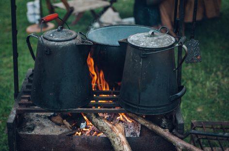 Gătitul la foc de lemne poate provoca leziuni pulmonare