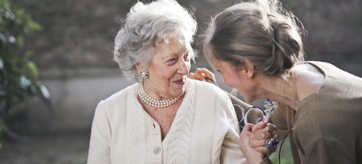 Menopauza și riscul de boli cardiace. Ce recomandă Asociația Americană a Inimii