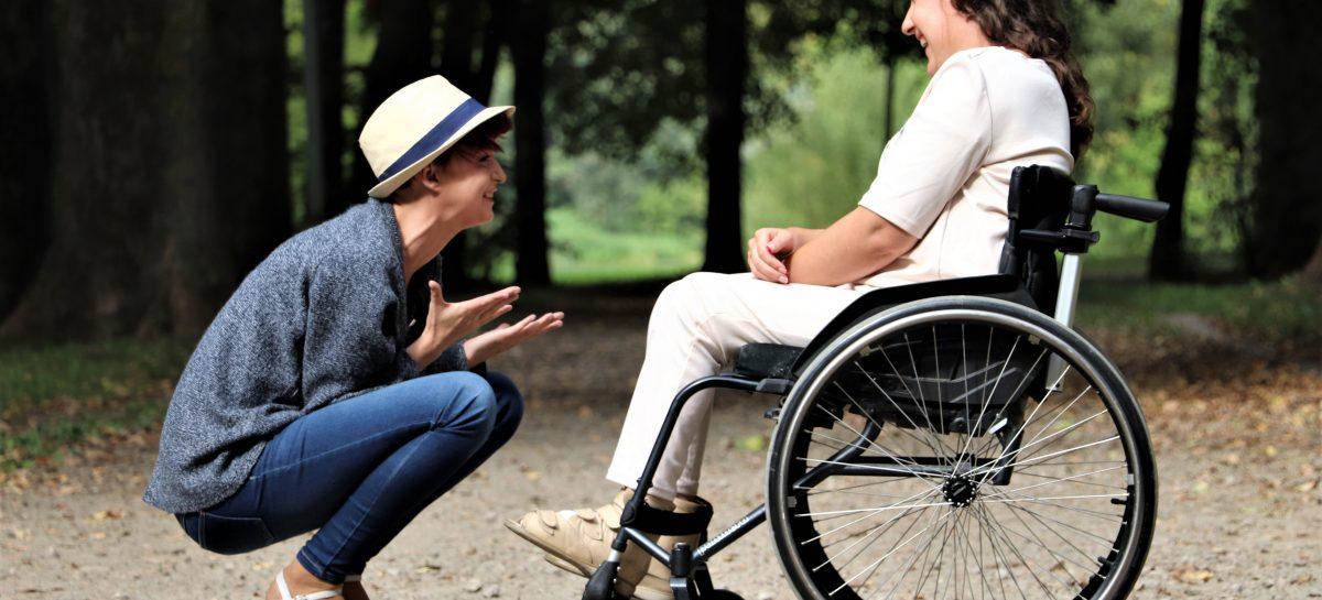 Asociații de pacienții: Acceptarea însoțitorilor în spital a persoanelor cu dizabilități să devină criteriu de acreditare a spitalelor
