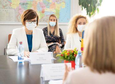 România promite Comisiei Europene eforturi suplimentare pentru creșterea numărului de persoane vaccinate
