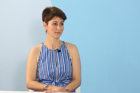 """[VIDEO] Dr. Anca Oltean: ,,Riscul incidenței cariilor scade cu 50% după tratamentul ortodontic"""""""