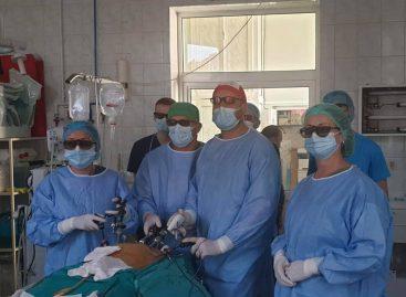 Intervenţie în premieră la Spitalul Județean Mureș: excizie a organelor dezvoltate anormal la un pacient cu Sindromul Zinner