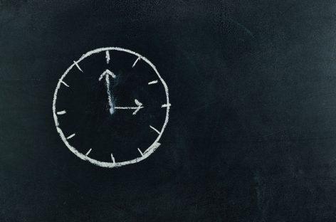 Demența, diagnosticată de inteligența artificială cu ajutorul testului ceasului