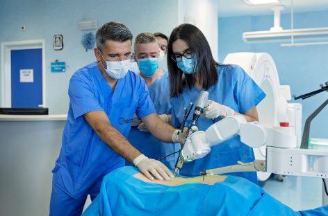 Spitalul Monza a fost dotat cu un robot de chirurgie spinală de ultimă generație